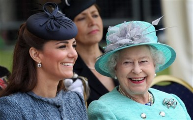 The Queen and the Duchess of Cambridge visit Vernon Park during a Diamond Jubilee visit to Nottingham on June 13, 2012.