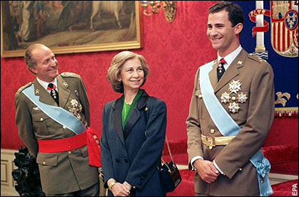 With yesterday's abdication announcement, King Juan Carlos and Queen Sofia look to their son, Prince Felipe, to continue the Spanish monarchy.